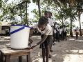 Ebola je nemilosrdná a zabíja naďalej: V Kongu pripravila o život už 30 ľudí
