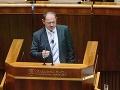 Simon chce novelizovať zákon o štátnom jazyku, podľa rezortu kultúry je návrh v rozpore s ústavou