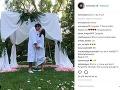 Tommy Lee zverejnil na instagrame takúto fotku. Nečudo, že mu všetci začali gratulovať k svadbe.