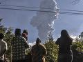 Sopka Merapi opäť ukazuje svoju silu: FOTO Popol vychrlila do výšky šesť kilometrov