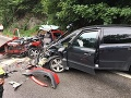 FOTO Vážna nehoda pod Strečnom: Zranených sedem ľudí, premávku už obnovili