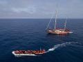 Španieli opäť ratovali migrantov: 825 ľudí sa z Afriky plavilo na 69 člnoch
