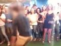 Trapas agenta FBI pred celým svetom: VIDEO Jeho tanec v podniku sa takmer zvrhol na tragédiu