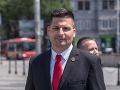 Kotlebov konkurent a vodca hnutia SHO: Profil kandidáta Róberta Šveca