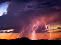 Na záver pracovného týždňa nás potrápia búrky: FOTO Prvá udrela v Hlohovci