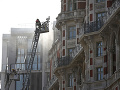 Požiar luxusného hotela v Londýne uhasili: Evakuovali aj Robbieho Williamsa, takto opísal drámu