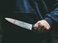 Ďalšia hádka v Sobranciach vyústila do útoku: Mladík bodol nožom muža