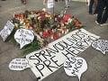 VIDEO V Bratislave vyšli ľudia do ulíc: Dojemný pochod, po vražde chcú spravodlivosť pre Henryho