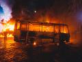 Nešťastie v Peru, požiar autobusu neprežilo najmenej 20 ľudí