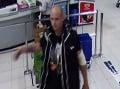 Pomôžte pri pátraní: Polícia hľadá muža na FOTO, kradol v hypermarkete a napadol ochrankára