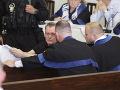 FOTO Ostro sledovaný proces s bossom sýkoriek: Šokujúci krok člena senátu Harabina
