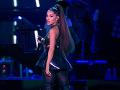 Ariana Grande je zasnúbená!