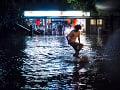 FOTO Švajčiarske Lausanne pod vodou: Mesto zasiahli prívalové dažde a búrky