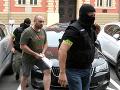 Kauza nelegálnej skládky: FOTO Sudca zobral do väzby policajta aj odpadkového bossa