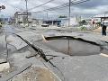 VIDEO Západ Japonska zasiahlo silné zemetrasenie: Praskal betón aj sklá na oknách