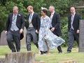 Harry a Meghan na svadbe ako hostia: Nuž, vojvodkyňa príliš neohúrila!