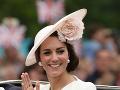 Kate vystupuje na verenosti