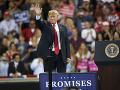 Trump podľahol tlaku okolia a ukázal srdce: Migranti majú dôvod na radosť