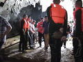 Tréner s mladými futbalistami išiel do jaskyne: Stalo sa niečo hrozné, rodičia šalejú od strachu