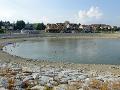 PRÁVE TERAZ Hasiči hľadajú na Oravskej priehrade muža: Po skoku do vody sa už nevynoril
