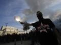 Demonštrácia pred ruskou ambasádou v Prahe: Česi spomínajú na obete invázie