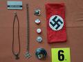 Policajná razia u strelca z Bystrice! FOTO Neuveriteľný úlovok, hákové kríže a nacistické zbrane