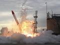 Štart japonskej rakety MOMO dopadol veľmi zle. Krátko po štarte raketa spadla a vybuchla.