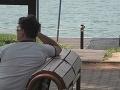 Tento muž na stretnutí čakal na 11-ročnú Miu. Namiesto nej sa však objavila Kristína.