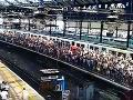 Na Facebooku sa šíril ďalší hoax: Do Prahy pricestovali stovky migrantov a médiá o tom mlčia