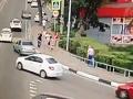 MIMORIADNA SPRÁVA Obrovská tragédia v Soči: Auto zrazilo ľudí na chodníku, VIDEO hrôzy