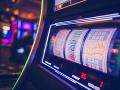 Žena vhodila do automatu dve eurá a diali sa divy: Takúto situáciu v kasíne ešte nezažili