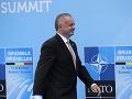 Kiska na summite NATO potvrdil, že SR do roku 2024 vyčlení na obranu 2% HDP