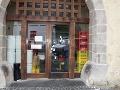 Zlodeji opäť úradovali: FOTO V Banskej Bystrici ukradli z reštaurácie trezor
