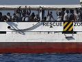 Loď s utečencami