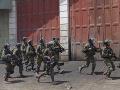 Militanti sa pokúsili o útok na prezidentský palác: Neprežilo to šesť ľudí