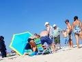 FOTO Turistka relaxovala na pláži, takmer prišla o život: Privolaní hasiči zostali v šoku