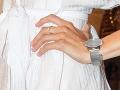 Herečka Barbora Hlinková sa v spoločnosti pýšila zásnubným prsteňom od Jána Ďurovčíka.