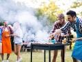 Dávajte si pozor na dovolenkách a letných brigádach: Otrasný zážitok Slováka na grilovačke