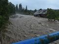 Rozvodnený potok Javorinka, ktorý