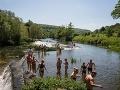 Mladík (26) sa kúpal v rieke, nakazil sa smrteľnou infekciou: Nemýľte si ju s chrípkou