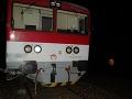 Ďalšia zrážka vlaku a auta: Vodiča v Krupine museli vyslobodiť až hasiči, je ťažko ranený