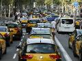 Španielski taxikári znova protestujú: Živobytie im ohrozujú mobilné aplikácie