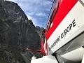 Riskantná akcia v Tatrách: Dvaja horolezci spadli do štrbiny, zasahoval vrtuľník