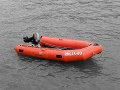 Príbeh ako z filmu: Američan sa na gumovom člne vybral na more a neuveríte, kde skončil