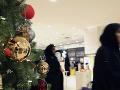 Museli sa zblázniť: FOTO Prvý obchod začal s predajom vianočného tovaru