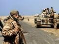 Koalícia v Jemene zaútočila na ciele povstalcov pri Hudajde