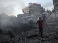 Raketové útoky pri pásme Gaza pokračujú.