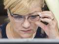 Skupina signatárov vyzýva Pellegriniho, aby odvolal Laššákovú pre jej nekompetentnosť