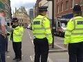 VIDEO Krvavá noc v Manchestri: Muž dobodal troch ľudí, všetci sú vo vážnom stave