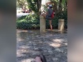 Mladík dovolenkoval v Malage, no toto ešte nikde nevidel: HNUS, ktorý žena stvárala pri fontánke